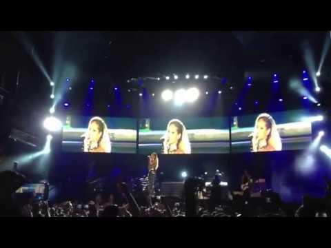 Rihanna DWT in İstanbul - Diamonds May,30