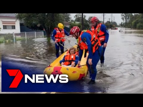 Monster Storm Hits New South Wales, Narrabeen Lagoon Residents Evacuate | 7NEWS