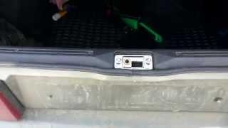 видео Как решить проблему гремящего багажника ВАЗ 2112