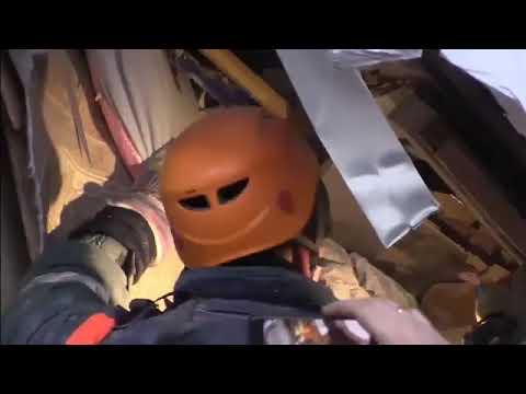 Полное видео спасения ребенка из-под завалов в Магнитогорске
