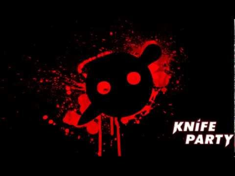 Knife Party vs Datsik & Doctor P - Hold the Internet friends down (DJ Axium Mash-up)