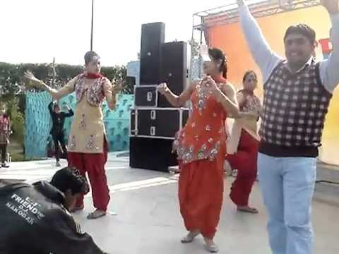 Raunchy Punjabi Wedding Dancers Paa Boli Sorneya Ve
