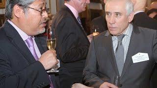 سفير الجزائر في لندن يعاقر الخمر وابنته وزوجته تبيعانها