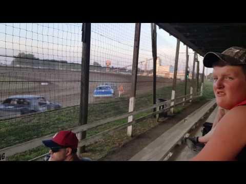 Bailey Heddins Factory stock heat 6/18/2016 at Charleston Speedway, Charleston, il
