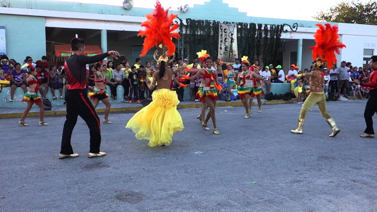 Cumbia Dance Performance - Chelem, Mexico