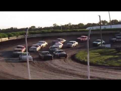 Raceway Park IMCA Hobby stock Feature Jefferson, SD 8/7/16 (Tony Fetterman)