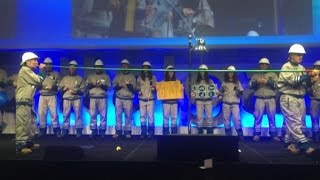 Flashmob con tubi e contatori: Italgas torna in borsa