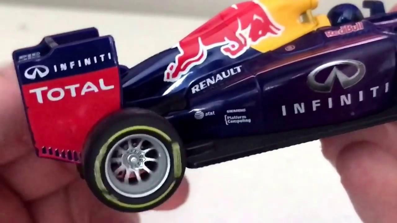 Bburago Review  Red Bull Racing Renault RB10 1 32 (Daniel Ricciardo ... 90872ff4dfcb3