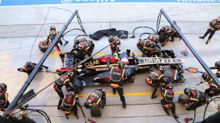 2013 SUZUKA F1 LOTUS Grosjean PIT  2nd.