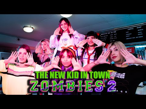 Zombies 2 – The New Kid in Town (En Español) Hitomi Flor