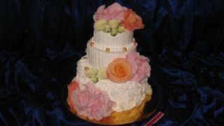 Свадебный Кремовый Торт с Живыми Цветами.