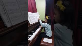 마리엔느 피아노연습