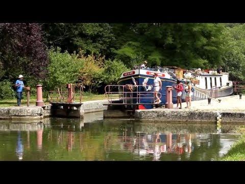 Cruise Burgundy aboard Hotel Barge L'Art de Vivre | European Waterways