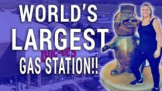 WORLD'S LARGEST GAS STATION!! (BUC-EE'S IN TEXAS) | Travel Snacks