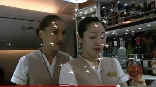 Emirates A380 Business Class Inflight Service and Bar Bangkok-Dubai: Smiles under the Moonlight:)
