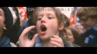Adèle sings On Lâche Rien (La Vie d'Adèle)
