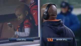 [MUST SEE]  Devon, Leah Still share touching moment during pregame