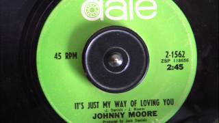 JOHNNY MOORE  - IT