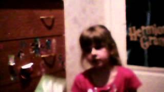 Что подарить подруге на день рождения?(Видео с веб-камеры пользователя Lizunya Lebedewa от 7 Июнь 2012 г., 07:37 (PDT), 2012-06-07T14:56:14.000Z)