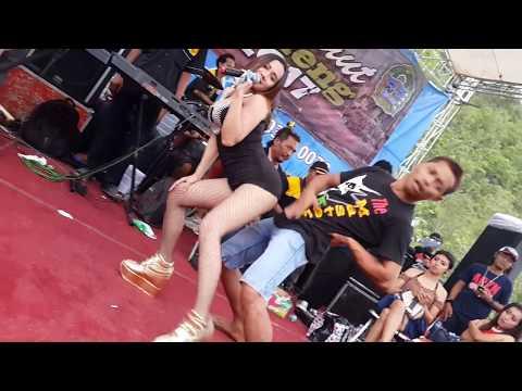 Konco Mesra -- Uut Selly Live Pelabuhan Sadeng 2017 Arganada thumbnail