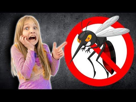 Amelia, Avelina and the robot mosquito. Kids pretend play adventure.