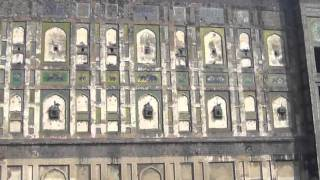 Take Guided Tour of Magnificent Lahore Fort Pakistan