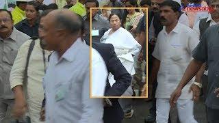 Watch: Mamata Banerjee was unhappy at HD Kumaraswamy's swearing in ceremony