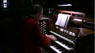 Mark Dwyer plays the hymn For All the Saints of Sine Nomine on the pipe organ