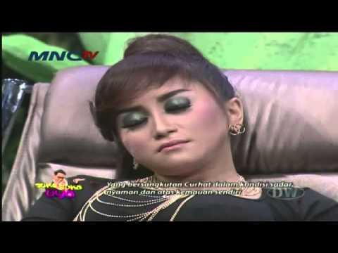 Suka Suka Uya seg1   Relaksasi Septi Istri Ahmad Fathanah & Mama   4 April 2014