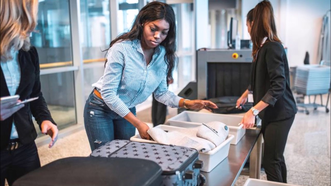 Airport Security Scanners Single Out Black Women Because Of Their Hair