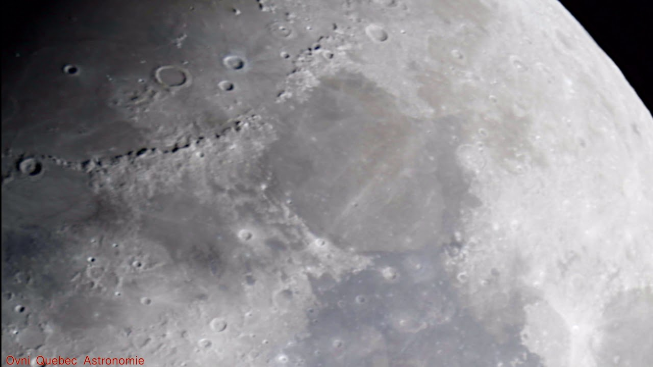 Une Tour Sur La Lune & Ovnis Illumine La Surface En Direct