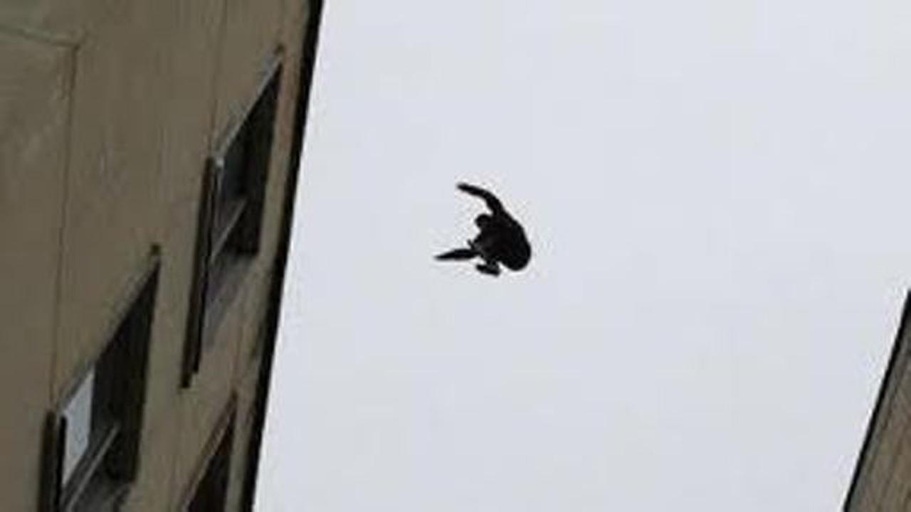 Казахтанец упал с четвертого этажа в санкт-петербурге / объе.