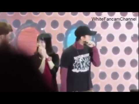 [Fancam] G-Dragon kissed by fan in Hongkong So HOT. SeungRi so cute voice at 1:03