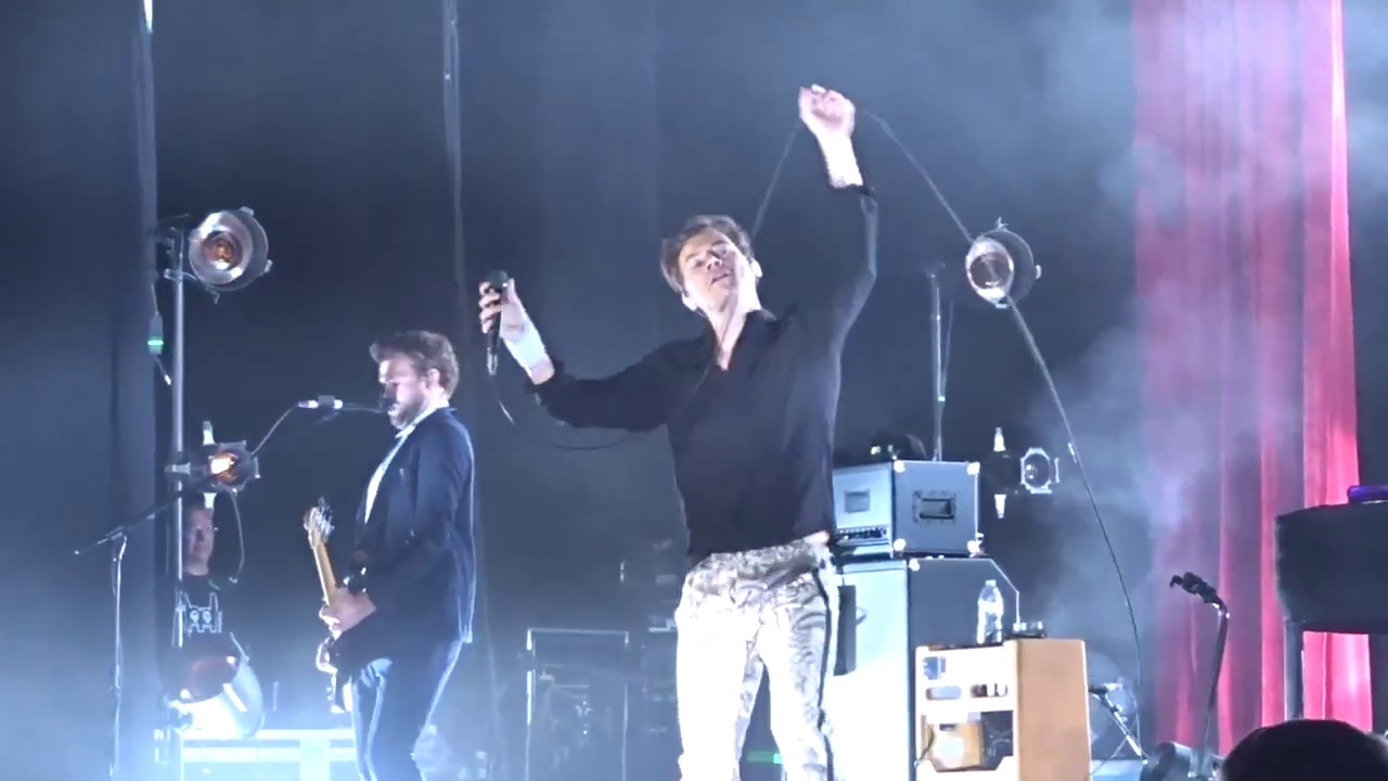 Download Harry Styles - Kiwi (Live Dallas, TX at Toyota Music Factory October 10, 2017)