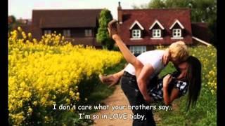 ERYKAH BADU  & STEPHEN MARLEY   I'M IN LOVE WITH YOU (with lyrics)