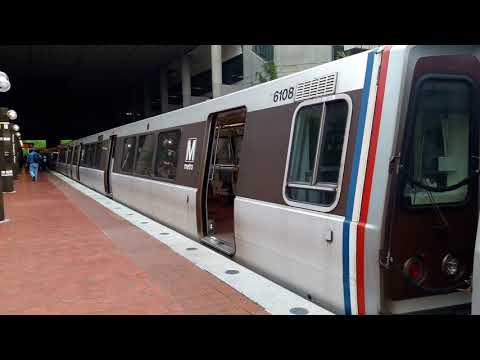 WMATA Green Line: Alstom 6000 Series #6108 at Prince George's Plaza