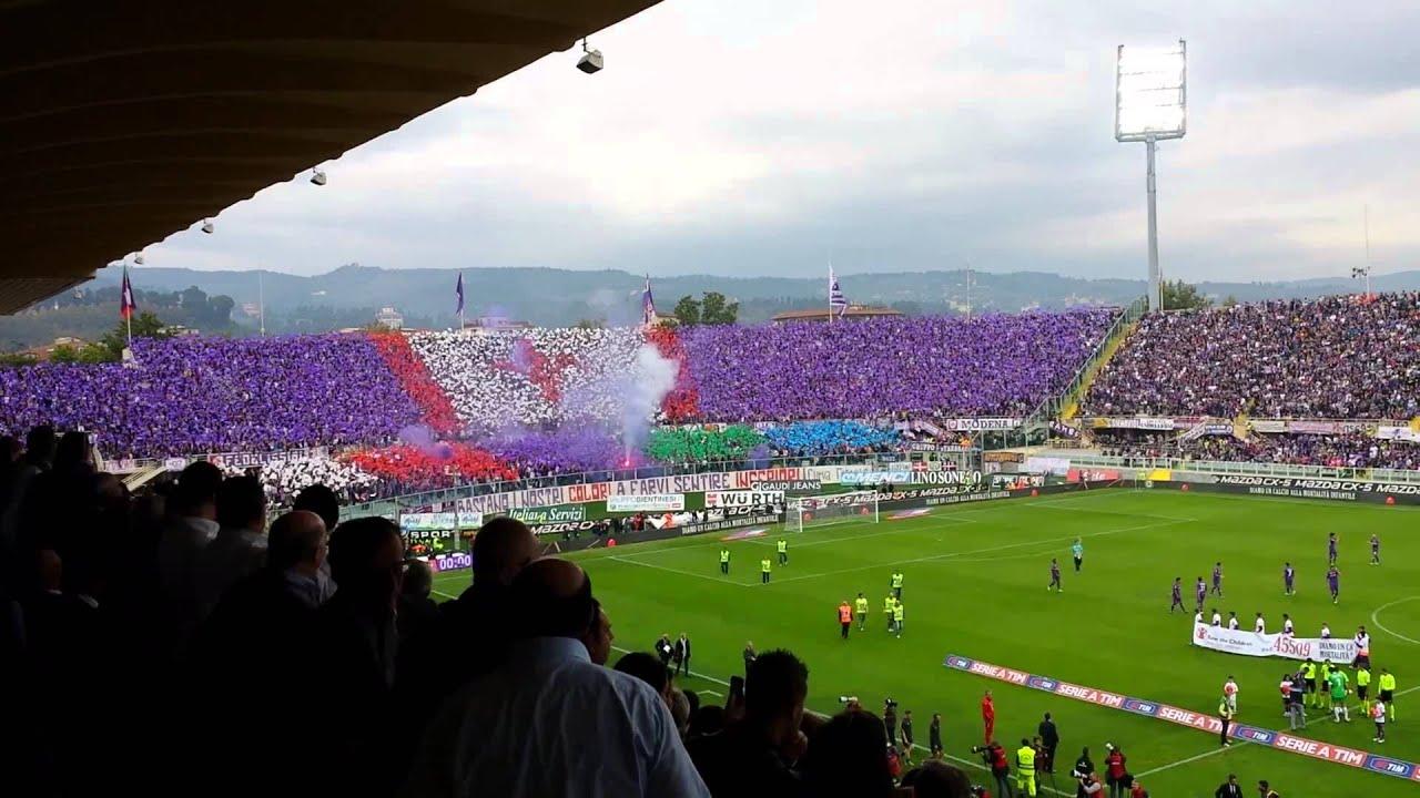 Coreografia tifosi viola Curva Fiesole in Fiorentina