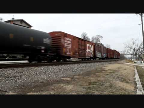 Bnsf 5763 leads a freight train south at Louisiana mo on the hannibal sub.