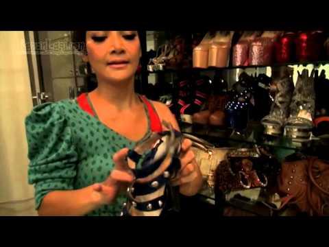 Intip Yuk Koleksi Sepatu Irma Dharmawangsa