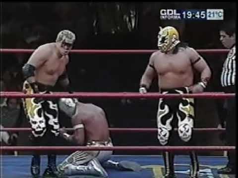 El Hijo del Santo/Mistico vs Rey Bucanero/Ultimo Guerrero (CMLL November 7th, 2004)