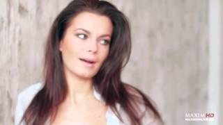 Актриса Ирина Ануфриева прилюдно разделась, чтобы написать картину маслом Девушки MAXIM