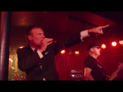 Department S - 'Going Left Right' - Live at Chinnerys, Southend-on-Sea, Essex - 13.10.17