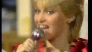 Doris D. & The Pins - Dance on 1981