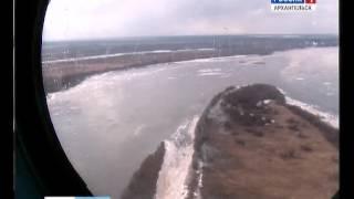 На реке Мезень лёд тронулся на пол месяца раньше обычного(Сначала о ледоходе. В этом году река Мезень бьёт все рекорды. Лёд здесь тронулся раньше обычного на пол меся..., 2016-04-26T09:59:50.000Z)