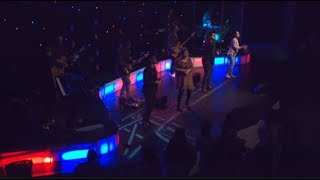 World Harvest Church - In Jesus Name by Darlene Zschech and Israel Houghton