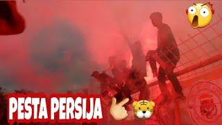 Persija day!! Pesta kembang api gila bro