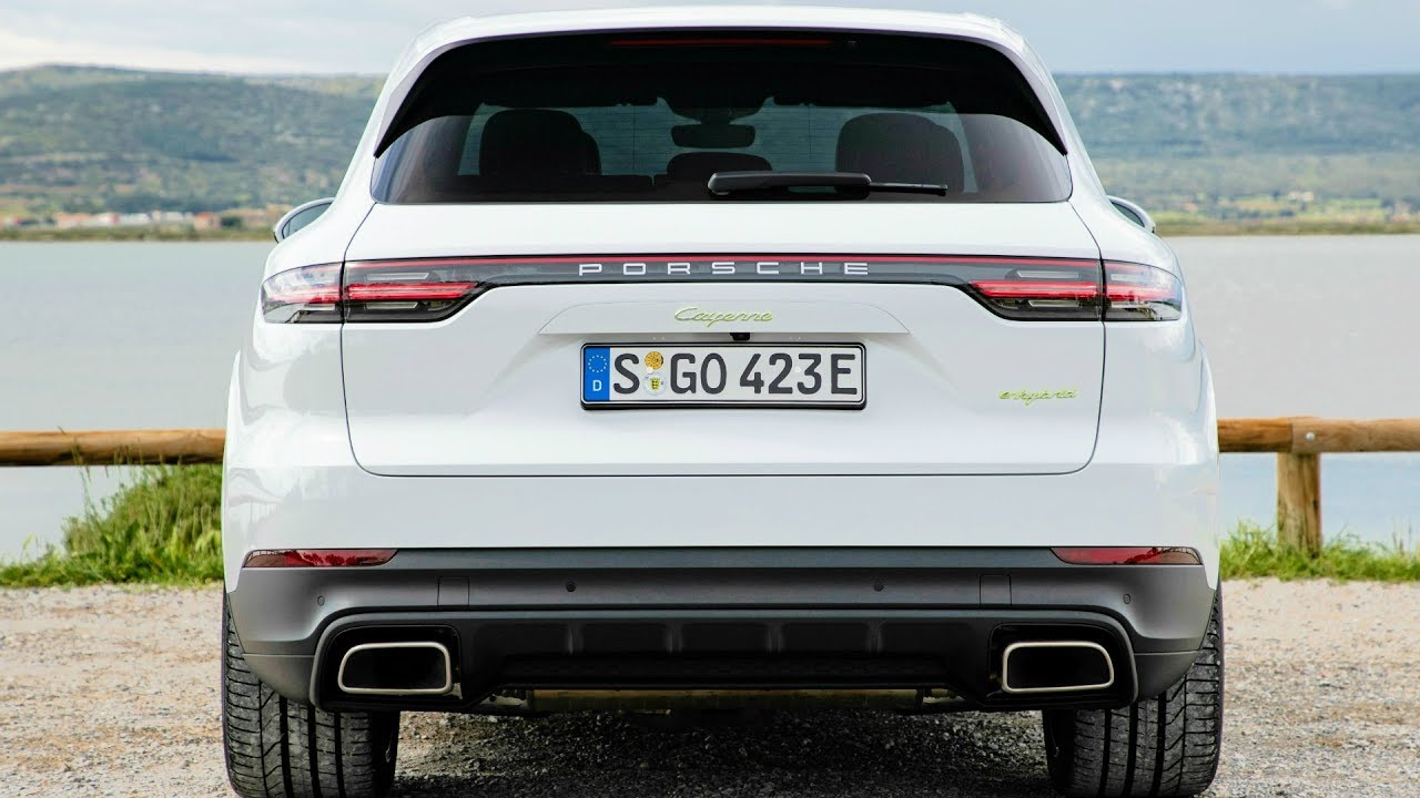 2019 White Porsche Cayenne E,Hybrid , Plugs in and Boosts Performance