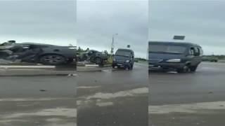 Появилось видео последствий смертельного ДТП в Твери, когда иномарка врезалась в бетонный столб