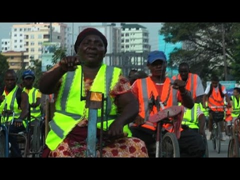 Tanzanians turn to cycling in Dar Es Salaam to beat gridlock