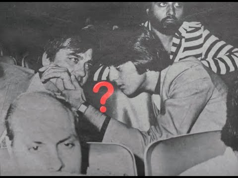 Sanjay Dutt kept the Seat Vacant Next To Sunil Dutt During Rocky Film Premiere